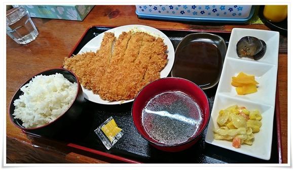 BIGチキンカツ定食@ちゅんちゅん食堂