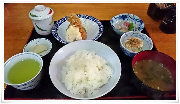 昼定食全景@味処 いけ田