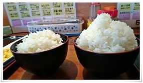 ご飯大盛りノーマル比較@ちゅんちゅん食堂