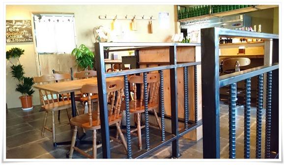 店内の雰囲気@鶏工房バーンホーフ